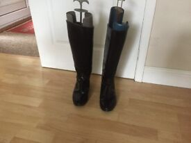 Regent Black Leather Riding Boots Ladies - Size 5