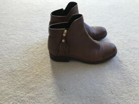 Girls leather Geox boots