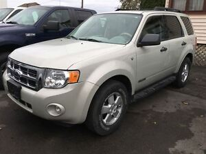 2008 Ford Escape XLT ***LEATHER & SUNROOF**