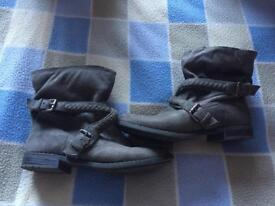 JustFab shoes size 6.5