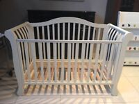 Nursery Furniture Sleigh Cot Bed with Storage Drawer