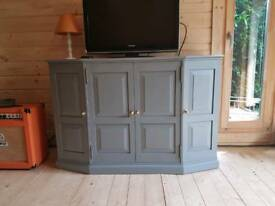 Cabinet - TV, drinks etc