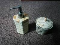 Soap dispenser and soap jar