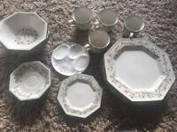 Eternal beau dinner set