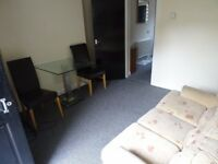 £470 PCM 1 Bedroom Flat To Let on Penarth Road, Grangetown, Cardiff, CF11 6NL
