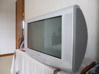 "Sony Trinitron 23"" Analog TV with Virtual Dolby Surround"