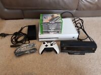 Xbox one white, controller, 8 games and kinect mint condition