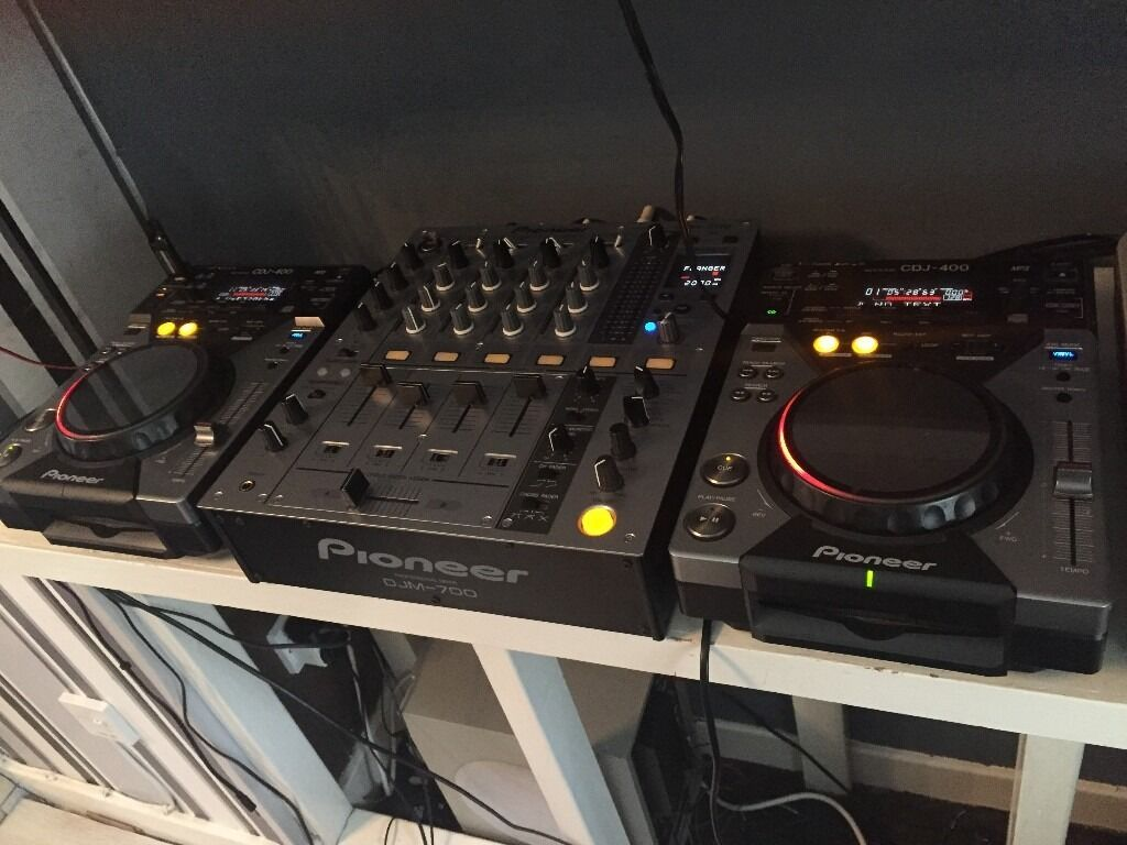 DECKS FOR SALEin Berwick upon Tweed, NorthumberlandGumtree - For sale .2x pioneer cdj 400s.immaculate condition and a pioneer djm 700 also immaculate condition.only ever used at home and very well looked after since purchase.looking to sell the entire package as Im upgrading.still got original packaging.will...