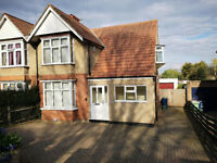 A three/four bedroom property located in Littlemore, close to the Rosehill roundabout