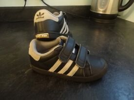 Adidas trainers size 7 and half