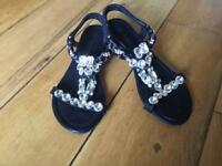 Ladies sandals size 3