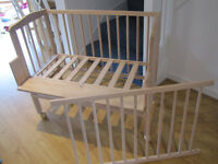 Co-sleeper cot for baby 0-6 months old in excellent condition