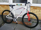"DIAMONDBACK RACING BIKE 18"" ALUMINIUM FRAME IN GREAT WORKING CONDITION"