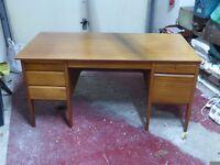 Old oak desk (scratched)