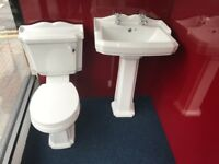 Victoria toilet &basin