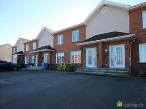 164 900$ - Maison en rangée / de ville à Jonquière (Arvida) Saguenay Saguenay-Lac-Saint-Jean image 2