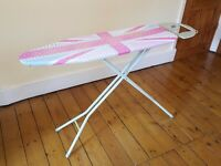 Ironing board - 111 x 34cm - Adjustable height