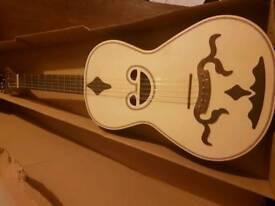 BRAGUESA APC 250 L RA guitar ukulele