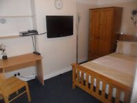 Double Bedroom in Town Centre Available to Rent Immediately, rent includes bills
