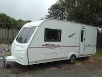 2007 Coachman Pastiche 470 Full Awning and fixed rooftop solar panel