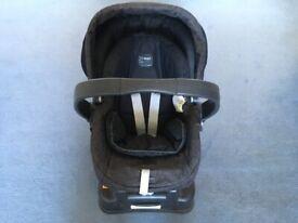 Mamas and Papas Primo Viaggio Infant Car Seat with Surefix Adjustable Base