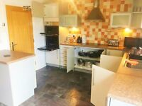 AVAILABLE NOW FOR £1700 BEAUTIFUL TOWN HOUSE IN SWANSEA MARINA, STUDENTS AND PROFESSIONALS WELOCOME