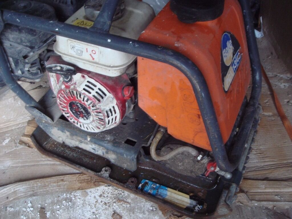BELLE WACKER PLATE GX120 , HONDA PETROL ENGINE , WATER FEED, EXCELLENT WORKING ORDER