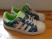 Boys girls Adidas Superstar trainers uk 3 good condition