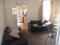 5 BED HOUSE IN UNIVERSITY AREA CLOSE TO ROYAL BERKS HOSPITAL AVAIL NOW- RB ESTATES