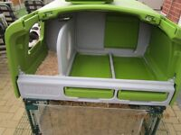 Eglu cube with 2 m run, housing for chickens - sun shade for run, 3 wind shields, glug and grub