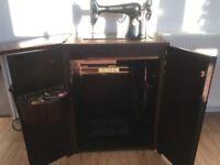 Vintage Black Singer Sewing Machine in wood Cabinet Table Treadle