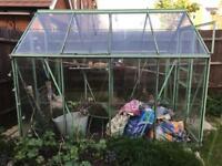 Green aluminium greenhouse