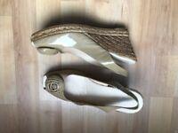 Kurt gieger patent beige sling back- Platform sandals