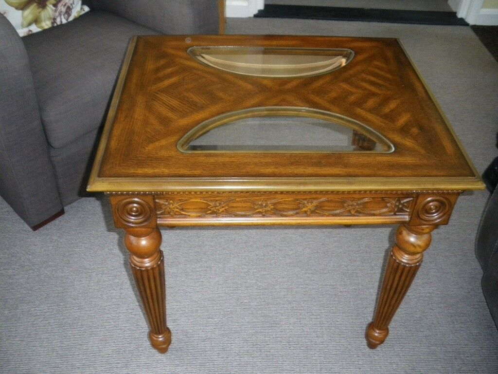 Medium oak colour coffee/side table in excellent condition £17.50
