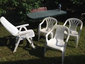 Garden furniture set - Table / Chairs