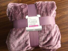NEW NEXT MAUVE Pink Throw Bedspread Quilt Blanket 150 x 200cm super soft fleece