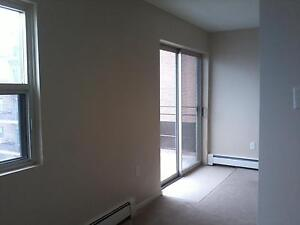 """Kingsberry Towers - """"We'll make you feel at home"""" last one left! London Ontario image 4"""