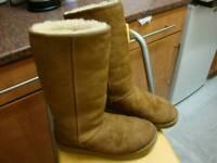 Ugg ladies size 7.5 tan suede sheepskin boots