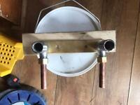 Shower mounting kit 150mm centres