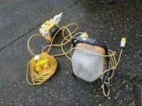 110v light and 2 leads splitter