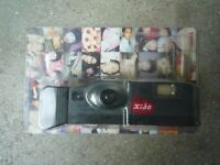 Polaroid Pocket Camera Xiao Tomy unused inc 6 films of 12 – Collectable in blister pack!