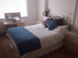 Large Double Room with En-Suite Bathroom
