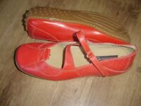 BRONX Deep Coral Leather Shoe Size 7