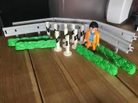 Playmobil barrier and road lining set