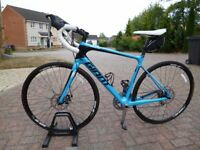 GIANT DEFY ADVANCED 3 FULL CARBON ROAD BIKE. GREAT CONDITION. RRP £1200.