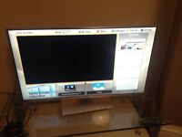 "Panasonic Viera 3D Smart TV 42"" (TX-L42ET60B)"