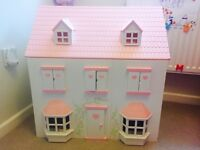 Immaculate dolls house with furniture