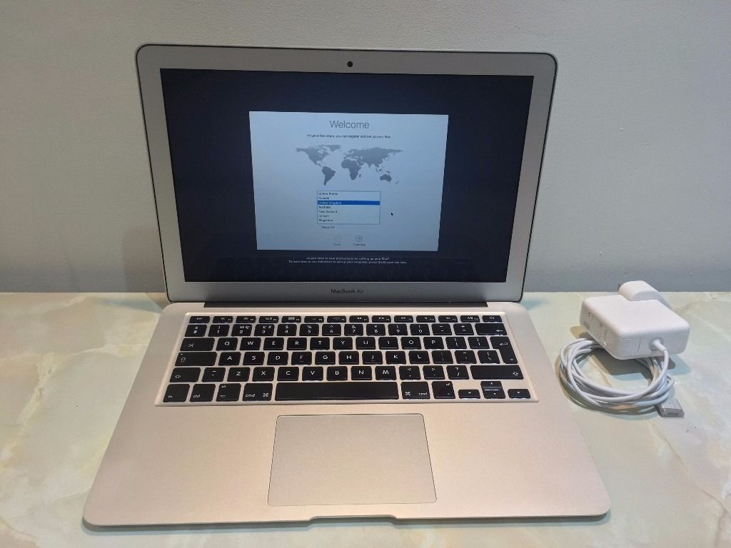 "Apple MacBook Air 13.3"" Early 2015 Boxed Apple Care 1.6GHz i5 Dual Core MJVE2B/Ain Wakefield, West YorkshireGumtree - Apple MacBook Air Early 2015 13.3"" 1.6GHz i5 Dual Core, 8GB RAM, 128GB SSD, HD6000 graphics, OS X Sierra. Fantastic condition all round with just the odd small mark on the base the screen keyboard area is immaculate (see photos). It comes with..."