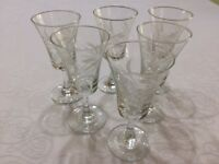 Set 0f 6 small engraved glasses