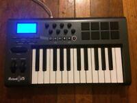 M Audio Axiom 25 - 1st Gen - Excellent condition